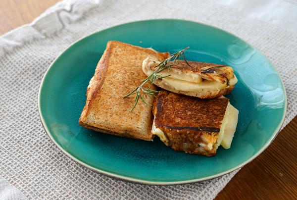 バウルー チーズ りんご ぎっしり