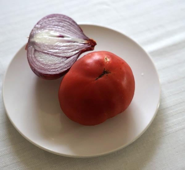 トマト 玉ねぎ サラダ