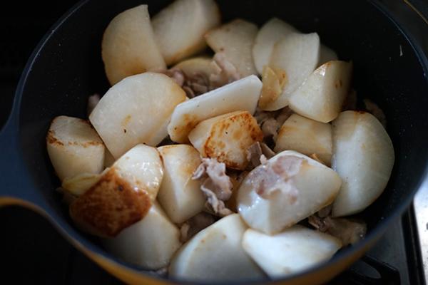 大根 豚肉 炒め煮 人気