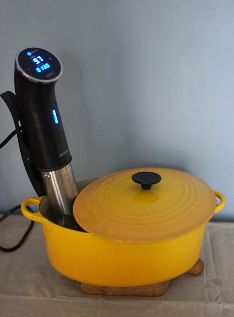 アイリスオーヤマ 低温調理器 鍋深さ